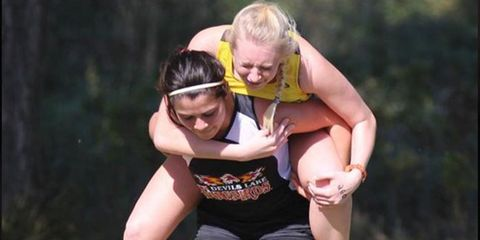 runner-carries-runner.jpeg