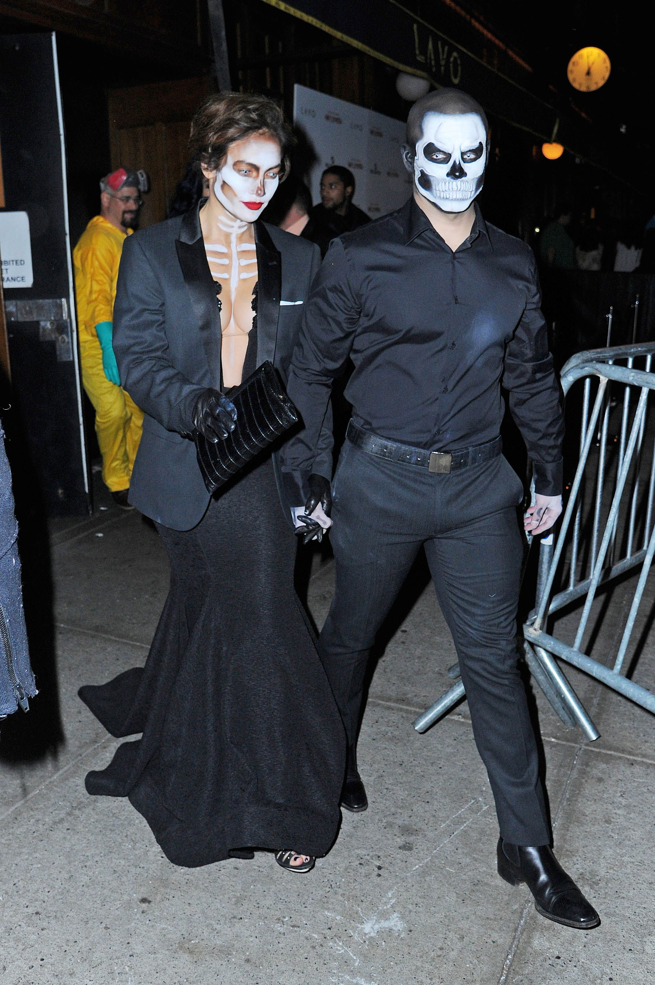 53 cute celebrity couples halloween costumes celeb couples in costume