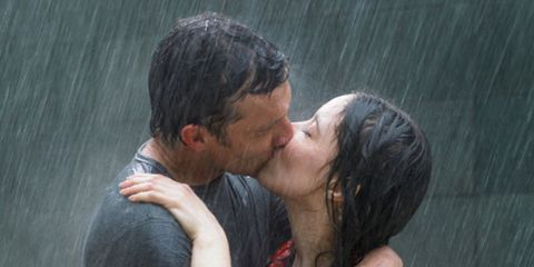kissing-in-the-rain.jpg