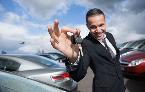 The Best Way to Negotiate with a Car Dealer