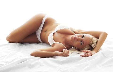 6 Phrases to Get Her into Bed Tonight