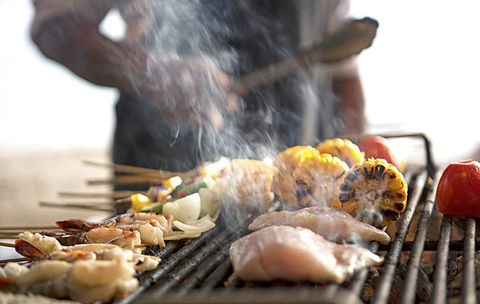 5 Grilling Tools Every Man Must Own