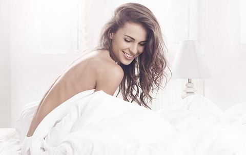 7 Signs She'll Be Good in Bed