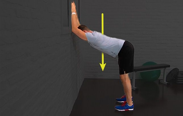 The Simple Stretch That Loosens Tight Shoulders