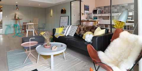 Un piso nórdico con zona de oficina