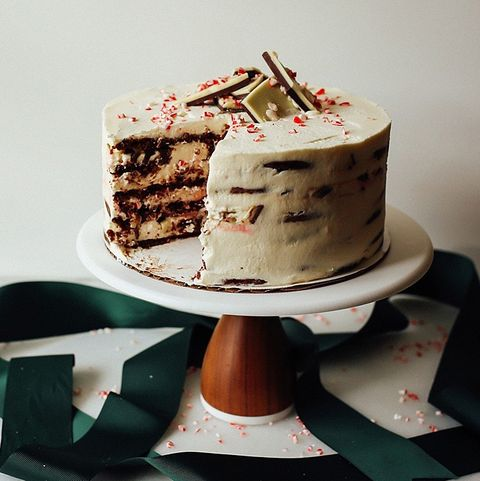 Peppermint Bark Icebox Cake - Christmas Cake Decorations