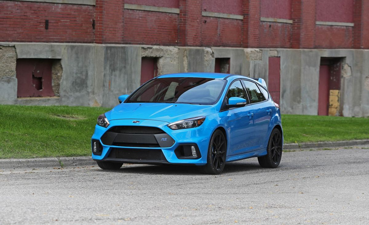 Ford Focus Rs Review Pricing And Specs