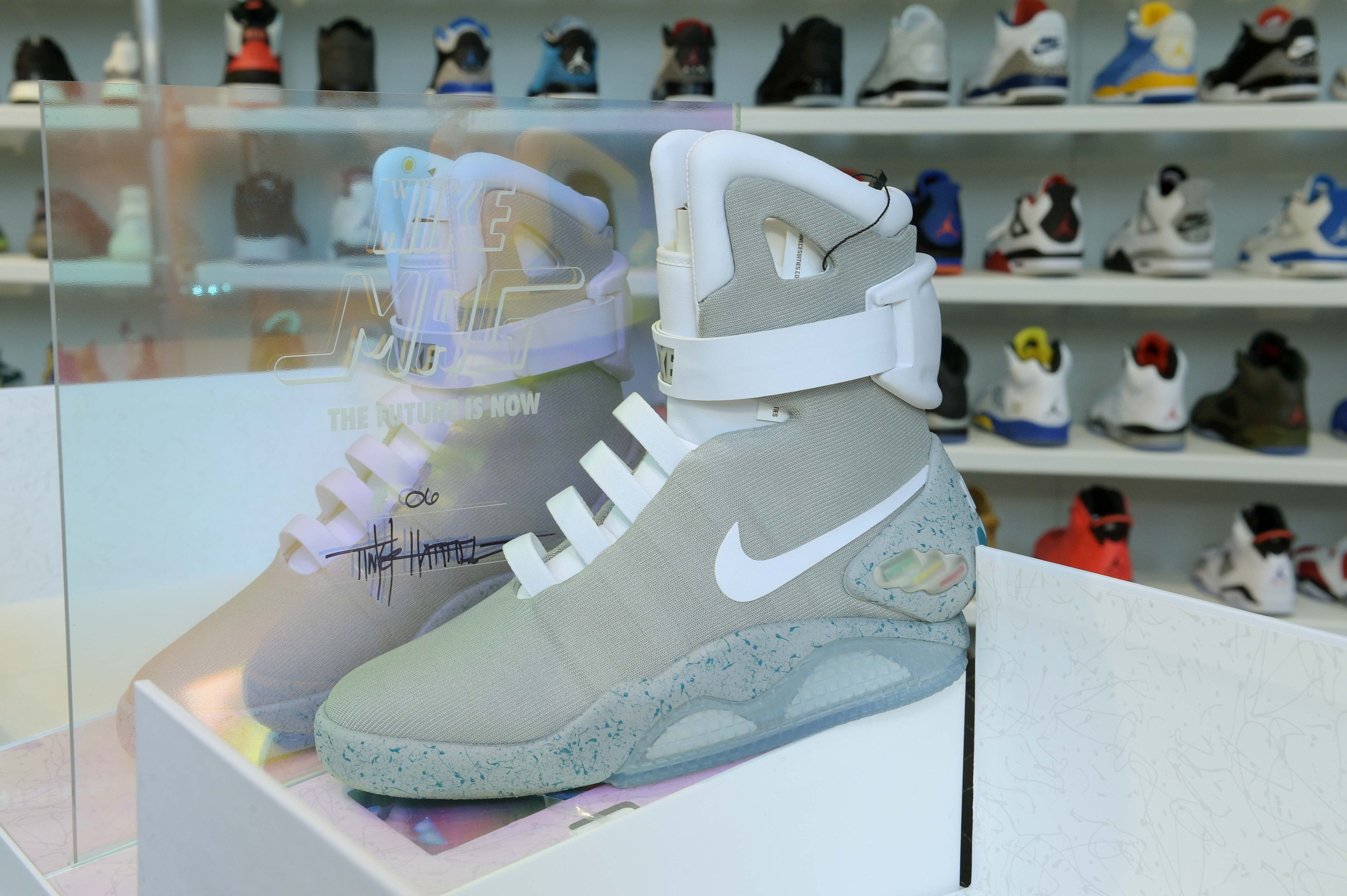 62215f955d85 American Eagle Opens Urban Necessities Pop-Up Shop Selling Nike MAG Sneakers