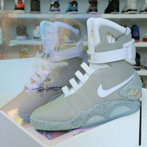 80c4672377654 American Eagle Opens Urban Necessities Pop-Up Shop Selling Nike MAG Sneakers