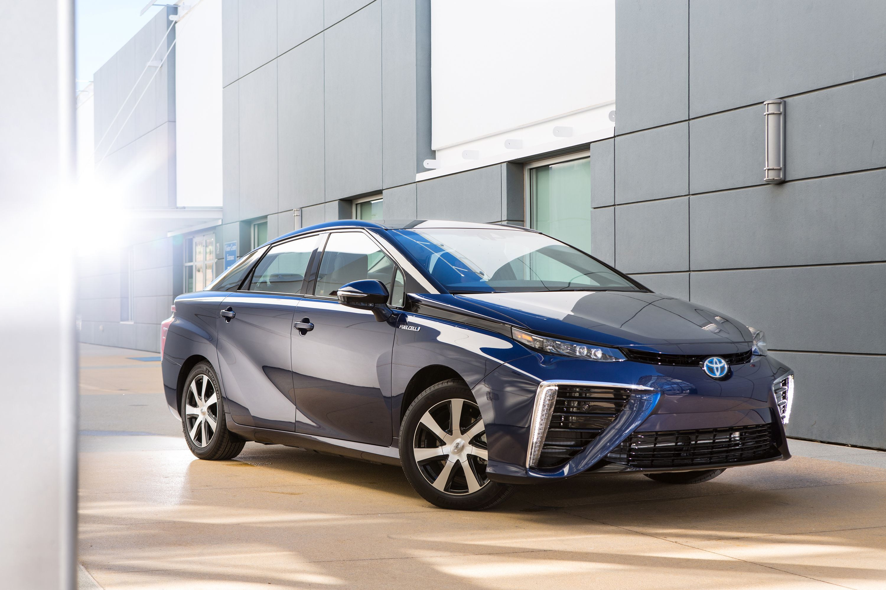 2020 Toyota Mirai Review Pricing And Specs
