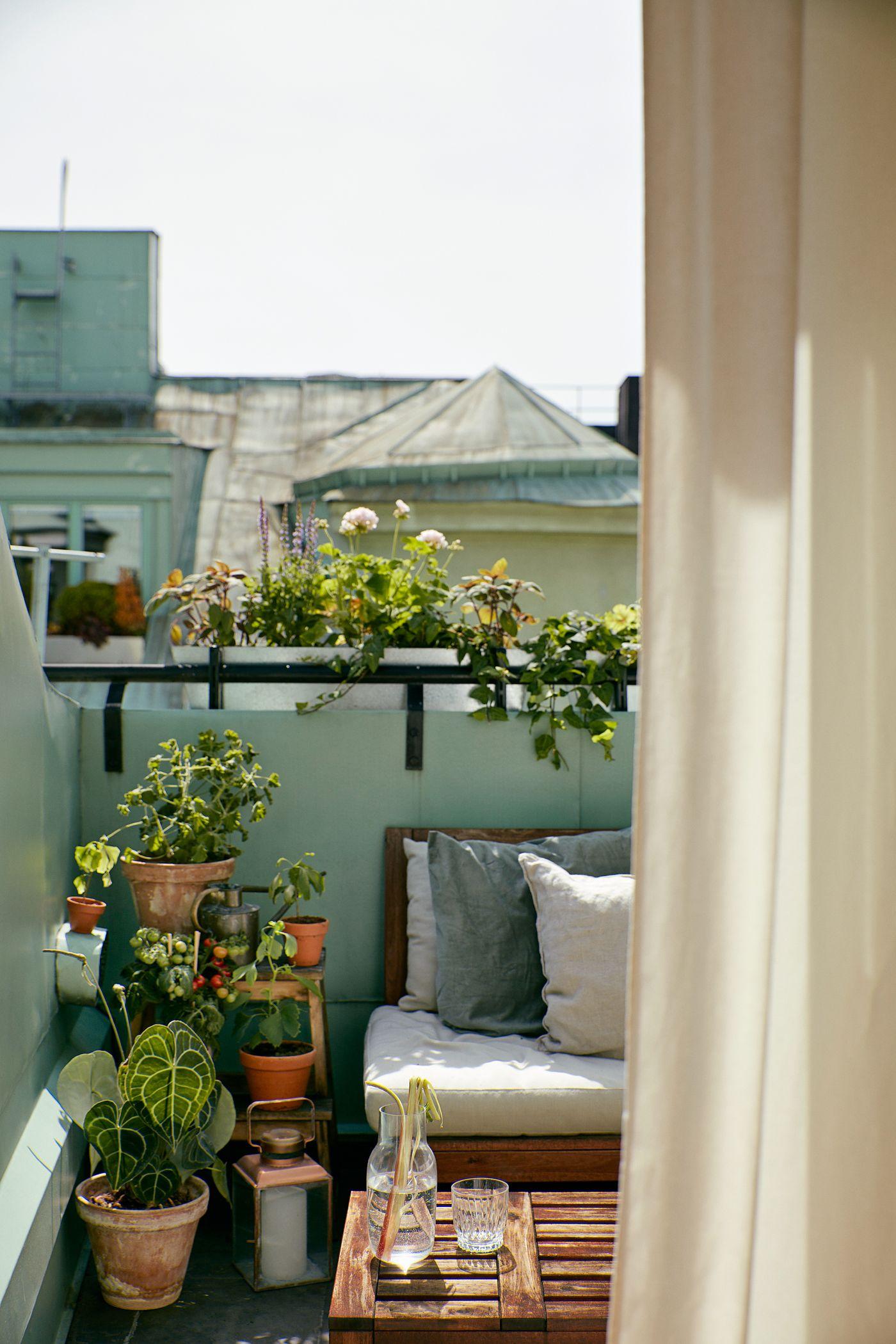 27 Brilliant Balcony Decorating Ideas - Balcony Design Tips