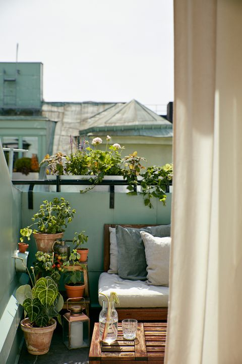 Cute Apartment Balcony: Stylish Balcony Decorating Tips