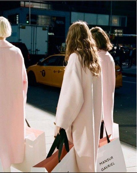 Clothing, Street fashion, Fashion, Coat, Outerwear, Shoulder, Trench coat, Photography, Car, Blazer,