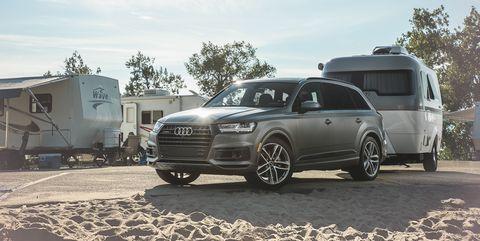 Land vehicle, Vehicle, Car, Automotive design, Wheel, Audi, Audi q7, Rim, Sport utility vehicle, Automotive tire,
