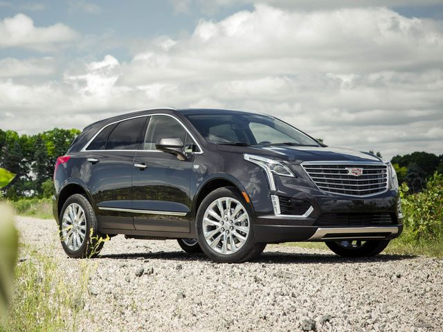 2017 cadillac xt5 luxury features