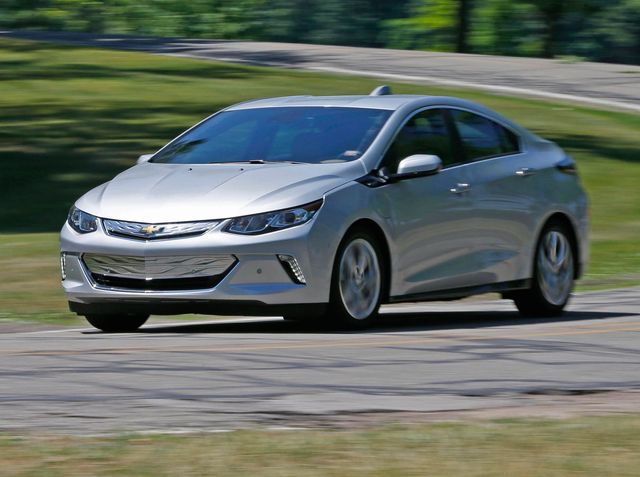 2019 Chevrolet Volt Review, Pricing, and Specs