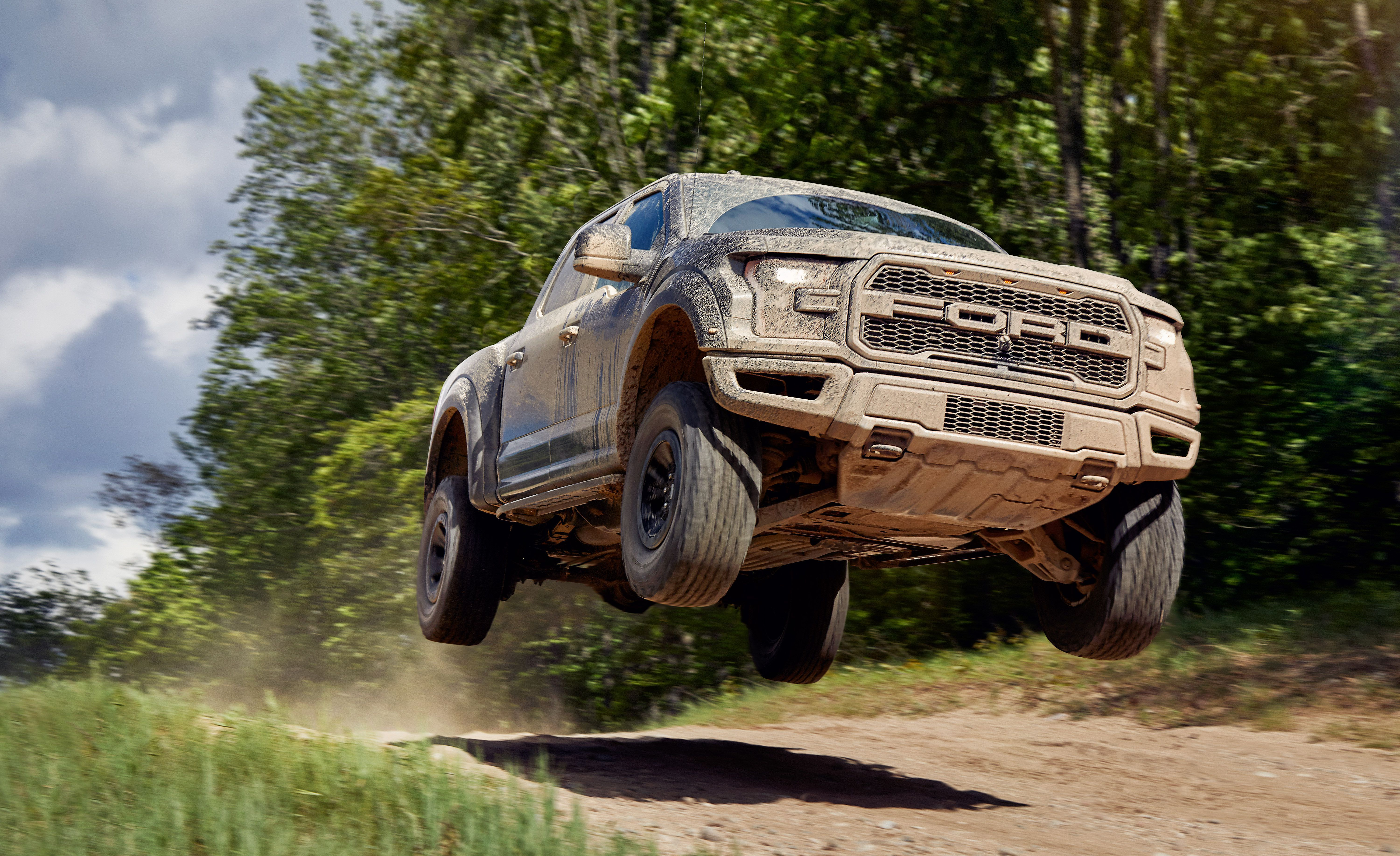 2017 Ford F-150 Raptor jumping
