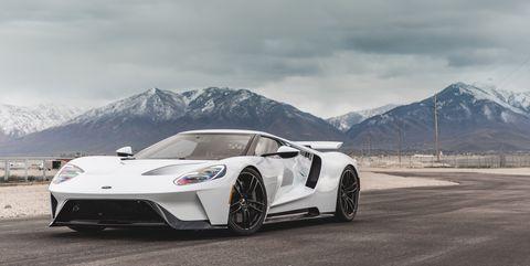 Land vehicle, Vehicle, Car, Supercar, Sports car, Automotive design, Performance car, Rim, Automotive wheel system, Wheel,