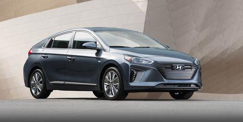 Land vehicle, Vehicle, Car, Mid-size car, Automotive design, Hatchback, Hyundai, Compact car, Family car, Hot hatch,