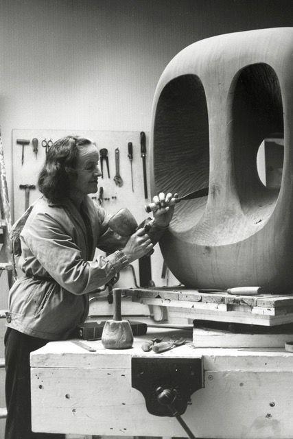 barbara-hepworth-sculpture-art