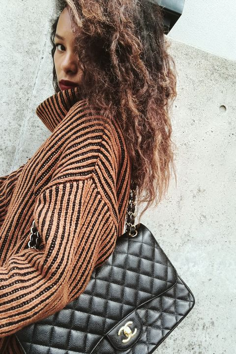 Hair, Beauty, Handbag, Shoulder, Fashion, Bag, Eye, Design, Cool, Long hair,