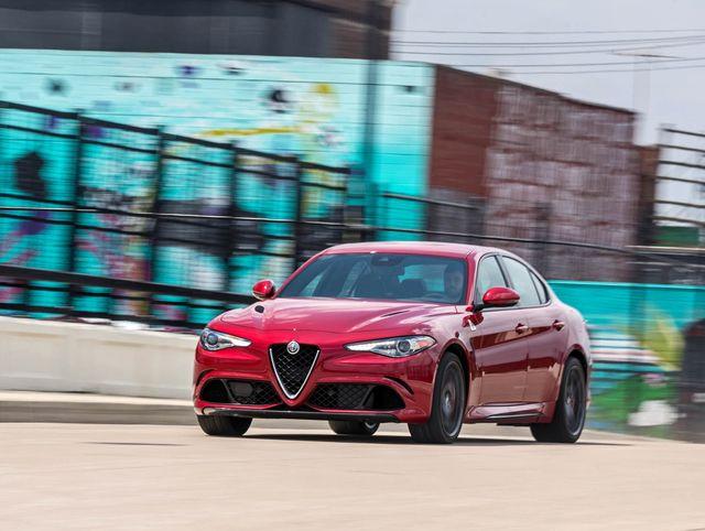 Alfa Romeo Giulia Quadrifoglio >> 2019 Alfa Romeo Giulia Quadrifoglio Review Pricing And