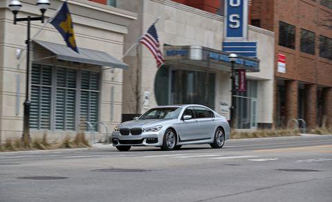 Land vehicle, Vehicle, Car, Mid-size car, Automotive design, Alloy wheel, Personal luxury car, Luxury vehicle, Rim, Wheel,