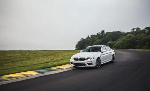 Land vehicle, Vehicle, Car, Automotive design, Personal luxury car, Luxury vehicle, Performance car, Wheel, Rim, Rolling,