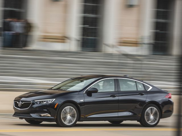 Buick Regal Sportback >> 2019 Buick Regal Sportback Review Pricing And Specs