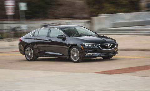 Buick Regal Sportback >> 2018 Buick Regal Sportback Fwd Test Review Car And Driver