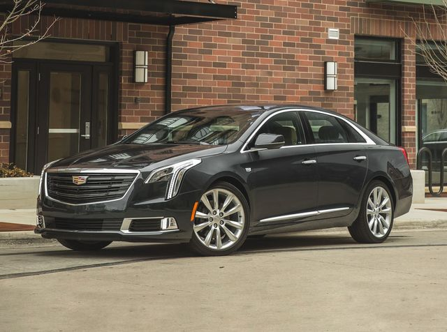 2019 Cadillac Xts Review Pricing And Specs