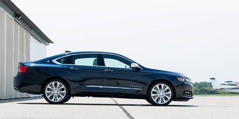 Land vehicle, Vehicle, Car, Mid-size car, Automotive design, Full-size car, Luxury vehicle, Executive car, Sedan, Personal luxury car,