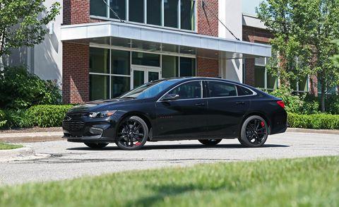 Land vehicle, Vehicle, Car, Rim, Tire, Mid-size car, Alloy wheel, Wheel, Automotive tire, Full-size car,