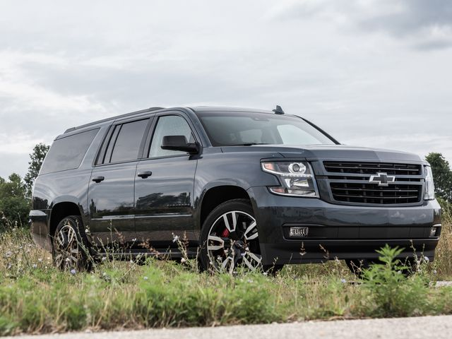 2019 Chevy Suburban Review Pricing And Specs