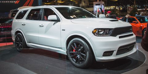 Tire, Wheel, Automotive design, Vehicle, Automotive tire, Land vehicle, Headlamp, Car, Grille, Automotive lighting,