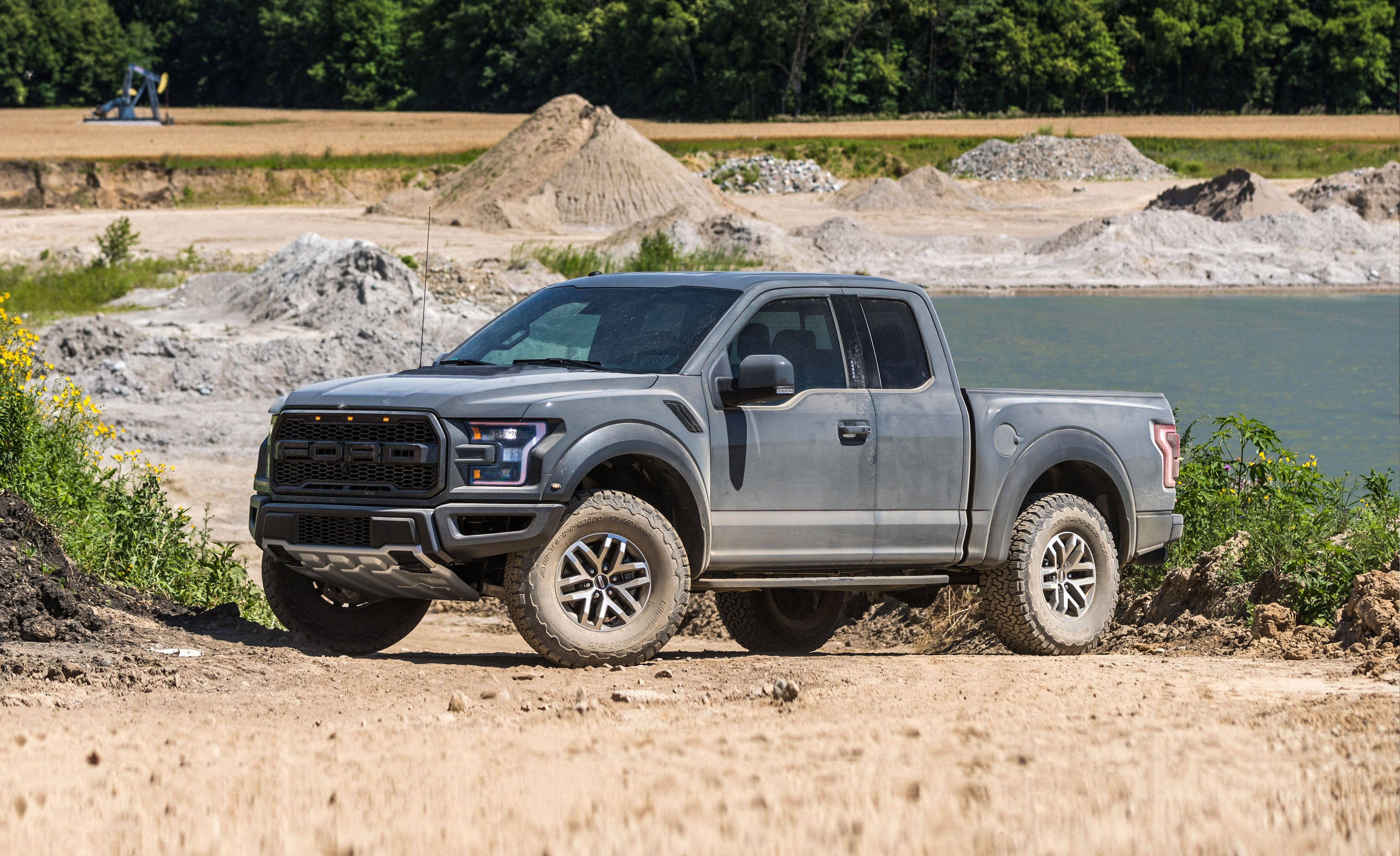 2018 Ford F 150 Raptor Review Pricing And Specs