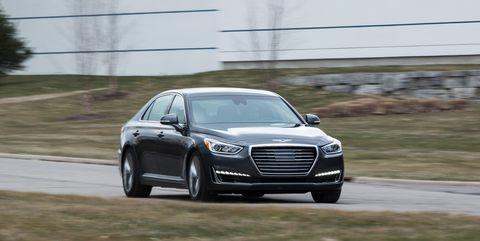 Land vehicle, Vehicle, Car, Automotive design, Luxury vehicle, Mid-size car, Executive car, Personal luxury car, Full-size car, Grille,