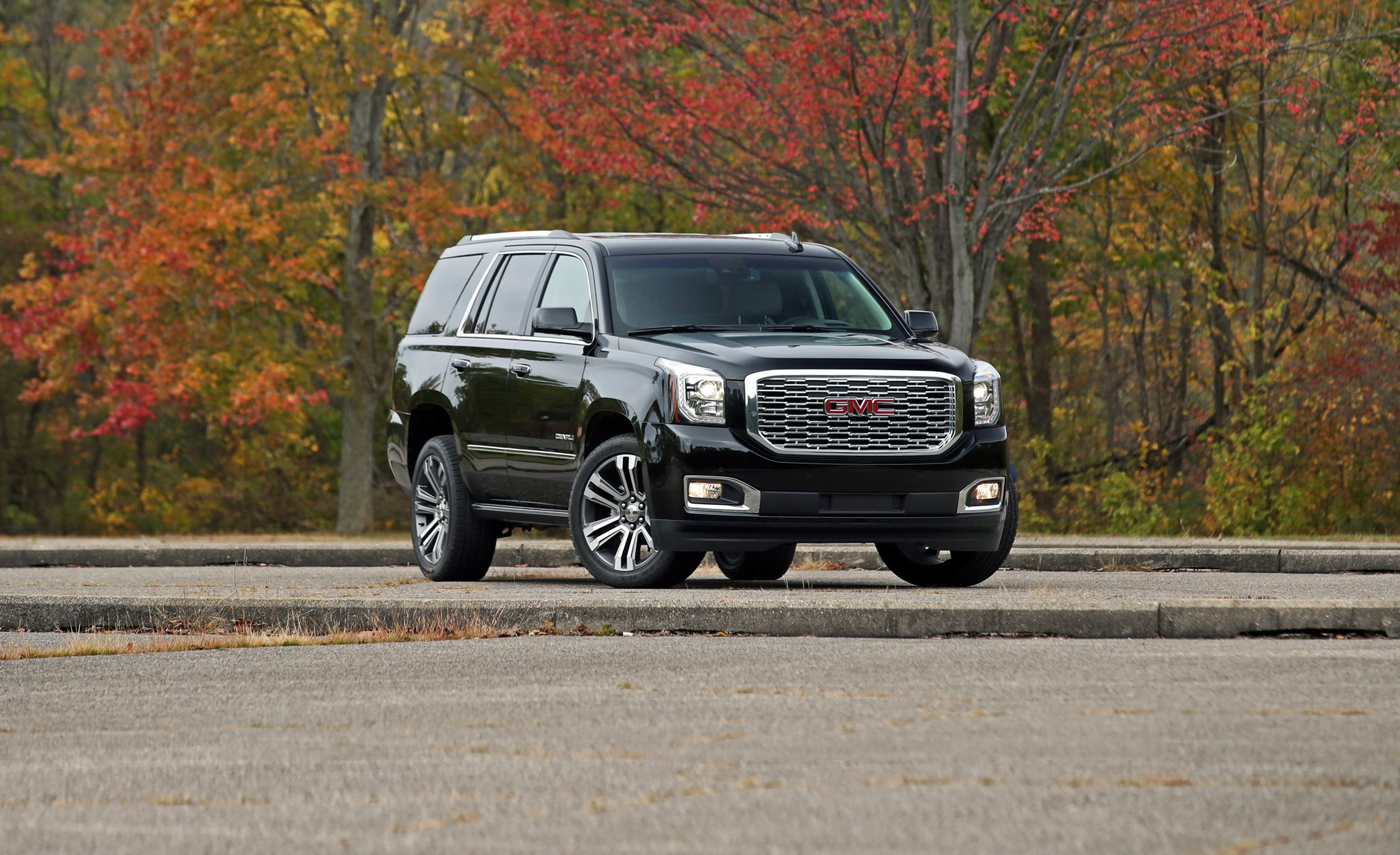 2018 Gmc Yukon Denali 4wd 10 Sd Automatic Test Do Four Extra Gears Make A Difference Review Car And Driver