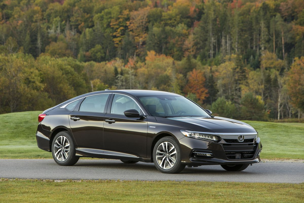 Best Luxury Hybrid >> 25 Of The Best Hybrid Cars In 2019 Every New Hybrid For Sale
