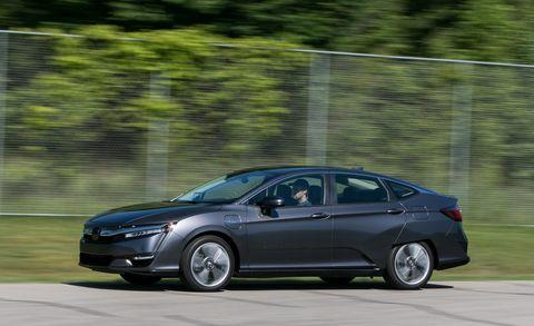 Land vehicle, Vehicle, Car, Mid-size car, Honda, Family car, Automotive design, Sedan, Full-size car, Luxury vehicle,