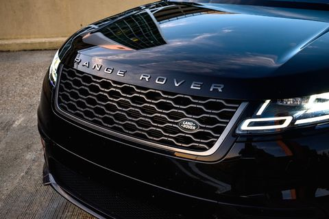 Land vehicle, Vehicle, Car, Grille, Automotive exterior, Hood, Automotive design, Bumper, Luxury vehicle, Headlamp,