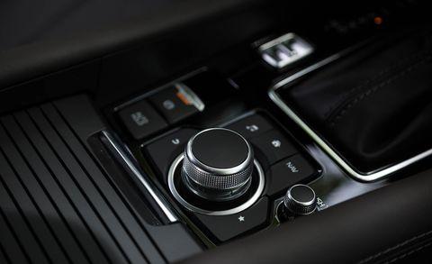 2018 Mazda 6 infotainment control knob