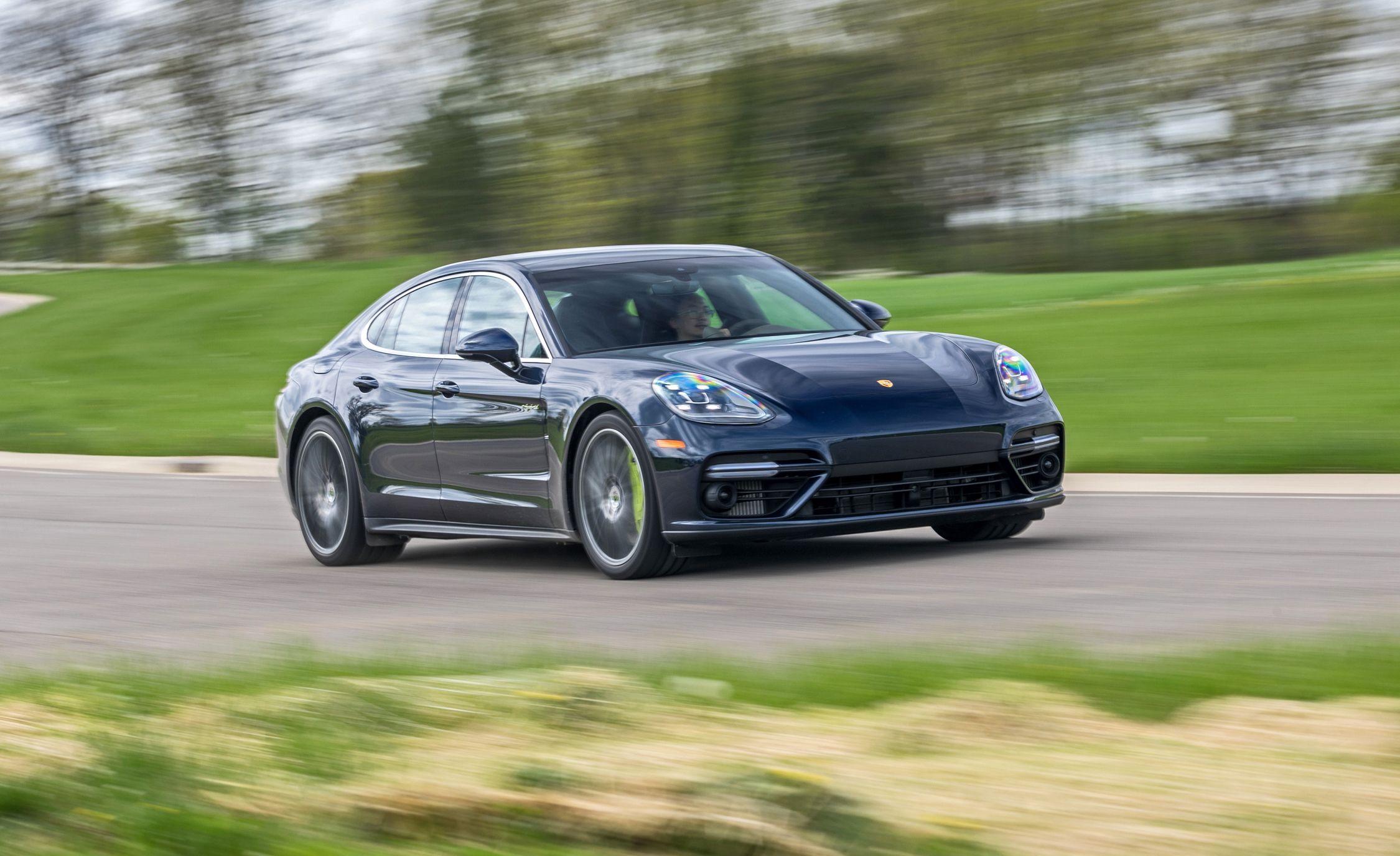 The 2018 Porsche Panamera Turbo S E Hybrid Is Capable But Clinical