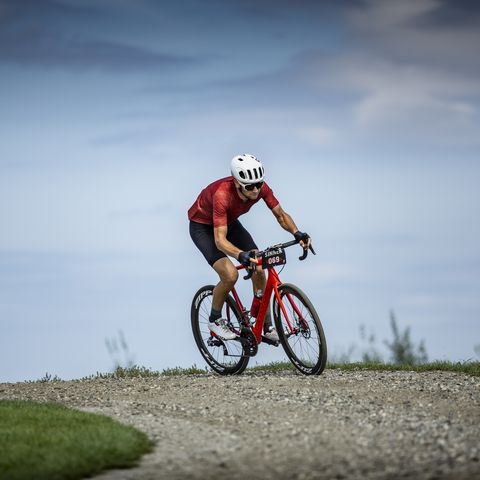 Cycling, Cycle sport, Bicycle, Vehicle, Outdoor recreation, Endurance sports, Road cycling, Recreation, Road bicycle, Sky,