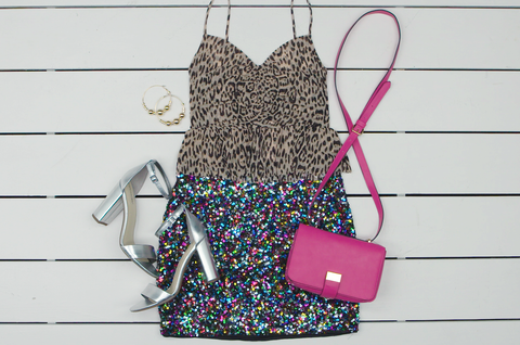 Bag, Pink, Handbag, Fashion accessory, Shoulder bag, Pattern, Magenta, Dress,