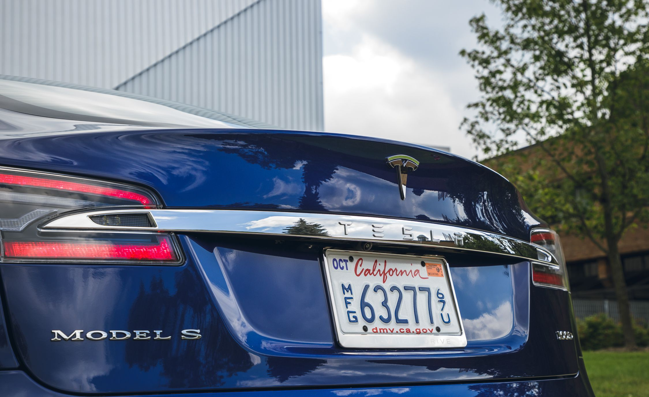 Tesla Model S and Model X Get Better Range and Lower Prices