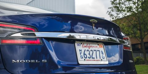 Land vehicle, Vehicle, Car, Luxury vehicle, Automotive design, Trunk, Full-size car, Mid-size car, Tesla model s, Executive car,