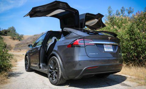 2018 Tesla Model X P100D falcon doors