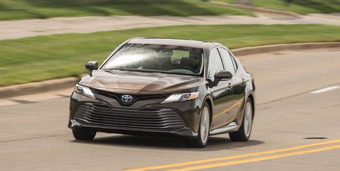 1881374aa78b0 Toyota Offers Apple CarPlay and Amazon Alexa Retrofit for 2018 Camry ...