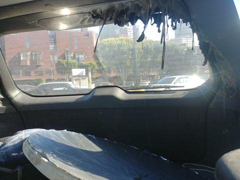 Motor vehicle, Vehicle door, Vehicle, Windshield, Glass, Automotive exterior, Car, Automotive window part, Auto part, Window,